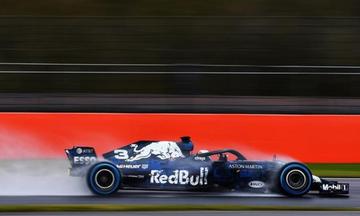 Έκανε… crash test ο Ρικιάρντο στο νέο μονοθέσιο της Red Bull