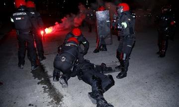 ΒΙΝΤΕΟ: Η στιγμή που ο αστυνομικός καταρρέει στο Μπιλμπάο