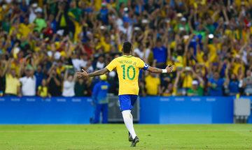 Ο Νεϊμάρ στο Ρίο Ντε Τζανέιρο για την επέμβαση