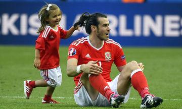 Πρώτος σκόρερ στην ιστορία της Ουαλίας ο Μπέιλ στα γενέθλια της κόρης του! (vid)