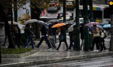 Καιρός: Τοπικές βροχές και σποραδικές καταιγίδες στα δυτικά, χιόνια στα ορεινά τμήματα.