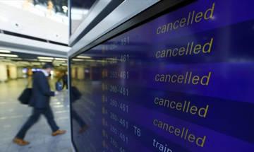Ακυρώσεις εκατοντάδων πτήσεων στην Ευρώπη