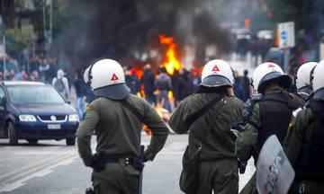 Κωνσταντινέας: Μισθοφόροι οι διαδηλωτές κατά Τσακαλώτου στον Πειραιά!