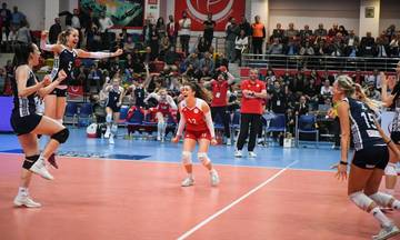 Έτσι σήκωσαν τα κορίτσια του Ολυμπιακού την κούπα (vid)