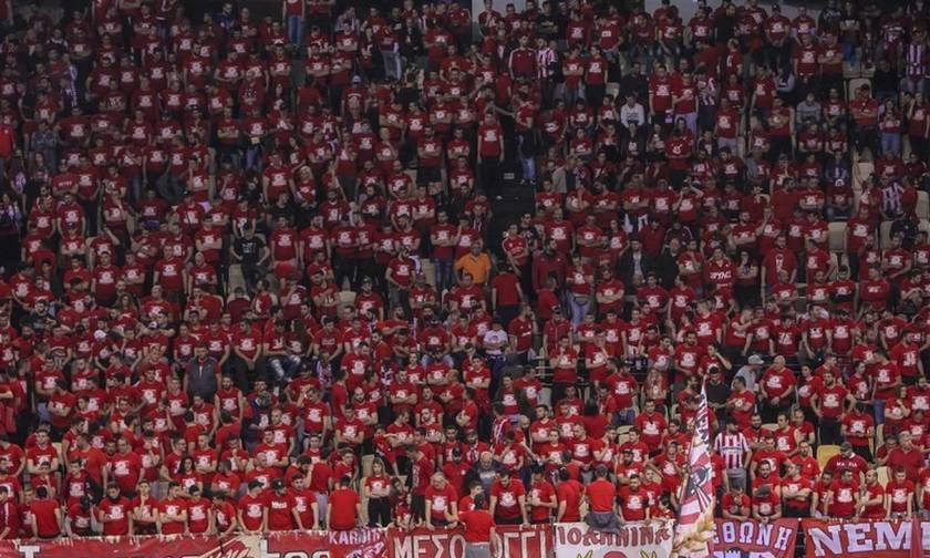 Και οι Ultras World έμειναν άφωνοι με τον κόσμο του Ολυμπιακού ! (vid)
