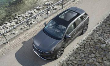 Απολαύστε την άνοιξη με τις πανοραμικές οροφές της Opel