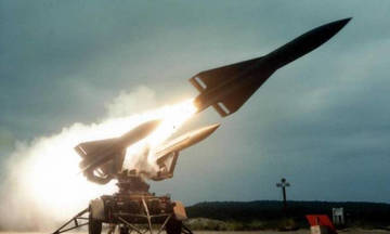 Πύραυλος σκόρπισε τον τρόμο στο αεροδρόμιο της Λιβύης