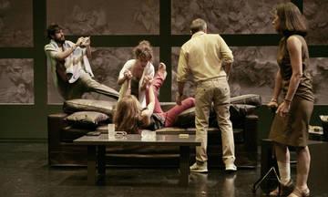Το «Στέλλα κοιμήσου» του Γιάννη Οικονομίδη έρχεται στο Θέατρο Τζένη Καρέζη