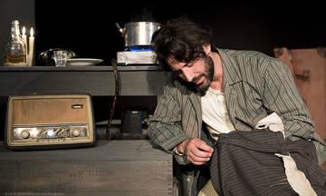 Στα ξένα Έλληνας και στην Ελλάδα «ξένος» στο Θέατρο Αθηνών