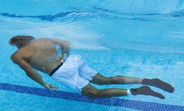 Η βουτιά του Ναδάλ στην πισίνα (vid)