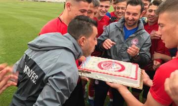 Η τούρτα-έκπληξη στον Τάσο Πάντο! (pic)