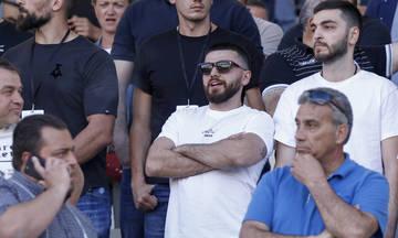 Ο Γιώργος Σαββίδης στην εξέδρα ανάμεσα σε οπαδούς του ΠΑΟΚ (pic)
