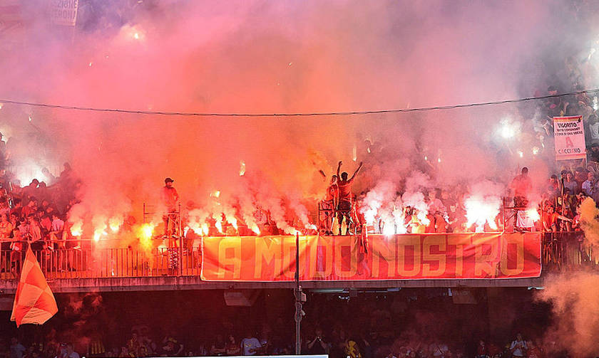 Το ανατριχιαστικό «αντίο» των φίλων της Μπενεβέντο στη Serie A (vid)