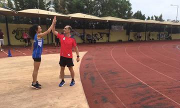 Γκλόρια Πριβελέτζιο: «Πιο ωραία απ' ό,τι είχα φανταστεί να τρέχω με το εθνόσημο»
