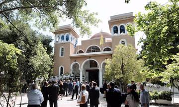 Μαρινάκης και Κόκκαλης στην κηδεία του Θεόδωρου Βασιλάκη (pics)