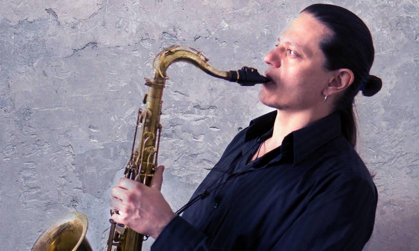 Ο Γιάννης Κασέτας live στο The Zoo