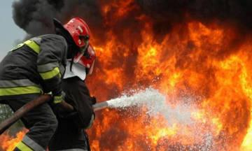 Λεωφορείο του ΚΤΕΛ τυλίχτηκε στις φλόγες από κεραυνό (pic)