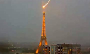Κεραυνός στον Πύργο του Άιφελ(vid)