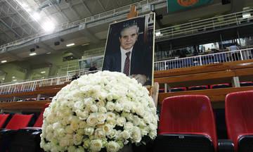 Ο Γκάλης και άλλες προσωπικότητες του μπάσκετ αποχαιρετούν τον Παύλο Γιαννακόπουλο