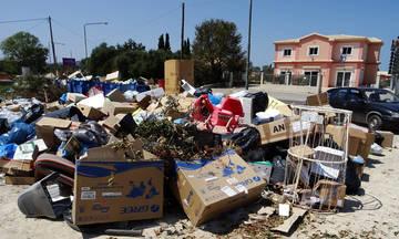 «Πνίγεται» στα σκουπίδια η Κέρκυρα