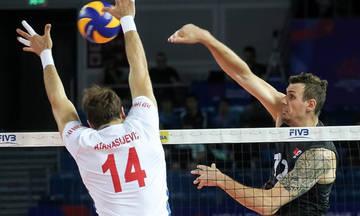 Ο Σμιτ έπαιζε μόνος τη Σερβία