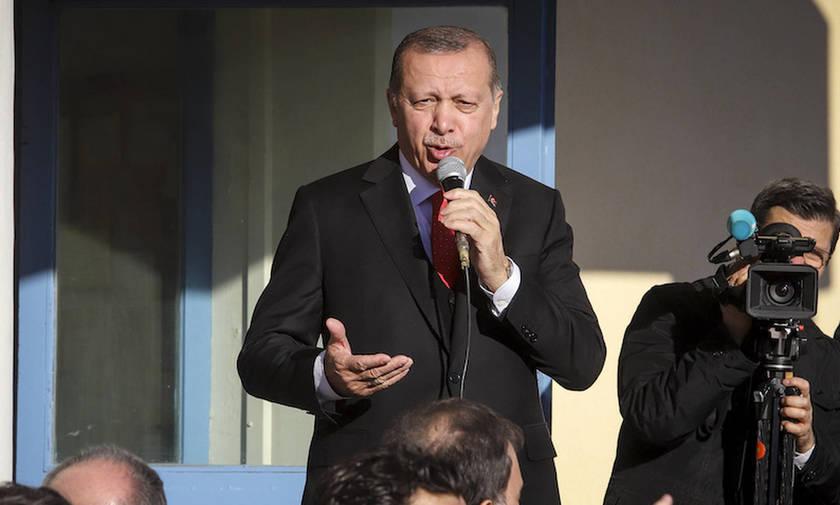 Έξι συλλήψεις για προσβολή του Ερντογάν στα social media
