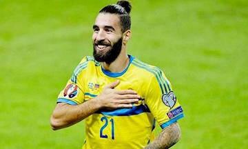 Οι παίκτες της Σουηδίας συμπαραστέκονται στον Ντουρμάζ