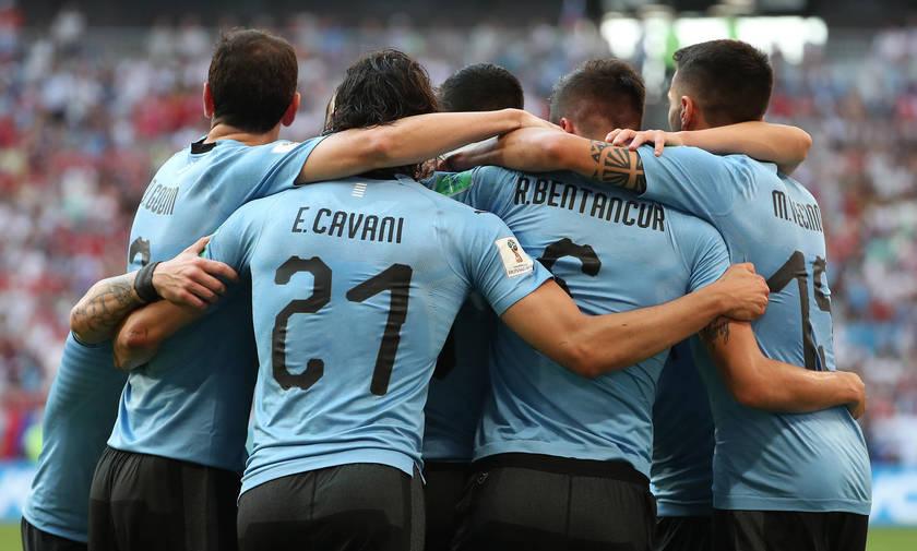 Ουρουγουάη-Ρωσία 3-0:  Η οικοδέσποινα είναι «γυμνή»