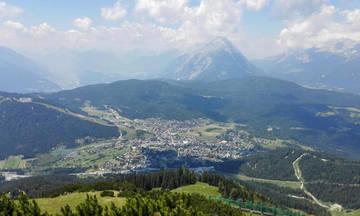 Το Ζέεφελντ από τα 2.045 μέτρα (vid)
