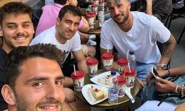 Η ελληνική ποδοσφαιρική παρέα της Αγγλίας πίνει καφέ στο Λονδίνο (pic)