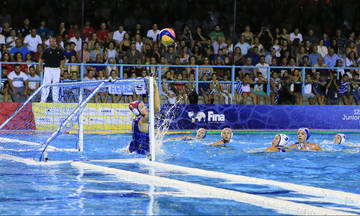 Γαλλία - Ελλάδα 5-12: Μπήκε γερά η Ελλάδα στο Ευρωπαϊκό της Βαρκελώνης