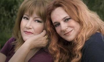 Η Ευανθία Ρεμπούτσικα και η Έλλη Πασπαλά στα Χανιά