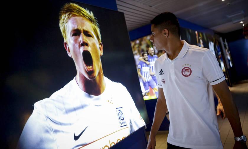 Όταν οι παίκτες του Ολυμπιακού συνάντησαν τον «Ντε Μπρόινε» (pics)