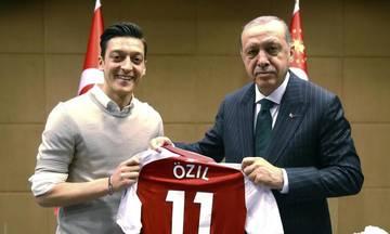 Επαινοι Τούρκων πολιτικών για την απόφαση του Οζίλ