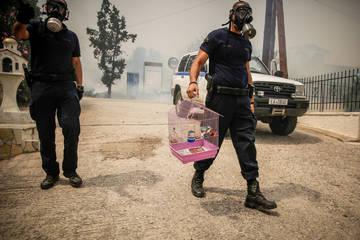 Κόλαση του Δάντη θυμίζει η Κινέτα- Συγκλονιστικές φωτογραφίες