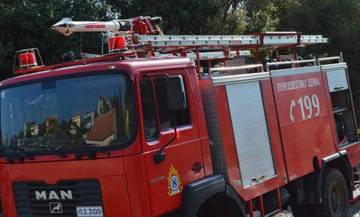 Εκκενώθηκαν κατασκηνώσεις από τη φωτιά στην Πεντέλη - Κατευθύνεται στο Ν. Βουτζά
