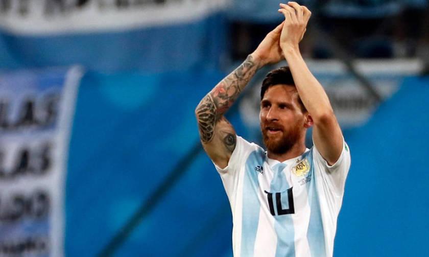 Clarin: «Ο Μέσι περιμένει να δει το νέο προπονητή της Αργεντινής»
