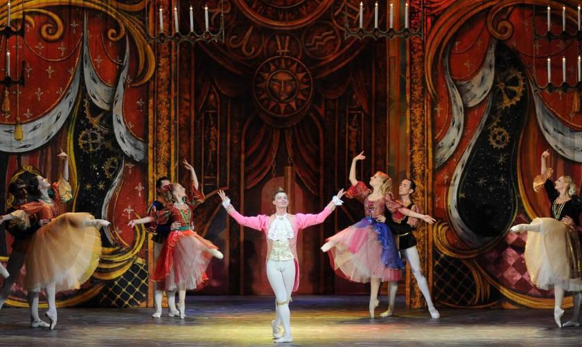 Η Σταχτοπούτα από το Russian Ballet Theater στο Δημοτικό Θέατρο Πειραιά