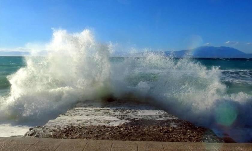 Καιρός: Αίθριος, αλλά με ισχυρούς ανέμους