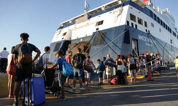 Αυξημένη η κίνηση από τα λιμάνια του Πειραιά, της Ραφήνας και του Λαυρίου