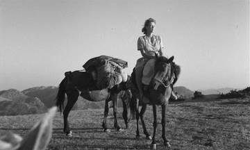 Άγνωστες φωτογραφίες από τα ταξίδια της Joan Leigh Fermor στην Ελλάδα