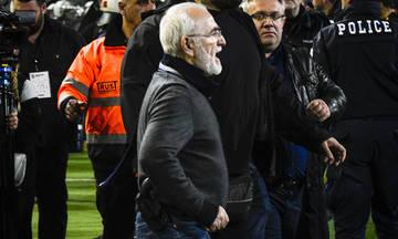 Η Record «στολίζει» Σαββίδη: «Ο αμφιλεγόμενος πρόεδρος που εισέβαλλε με όπλο στο γήπεδο»