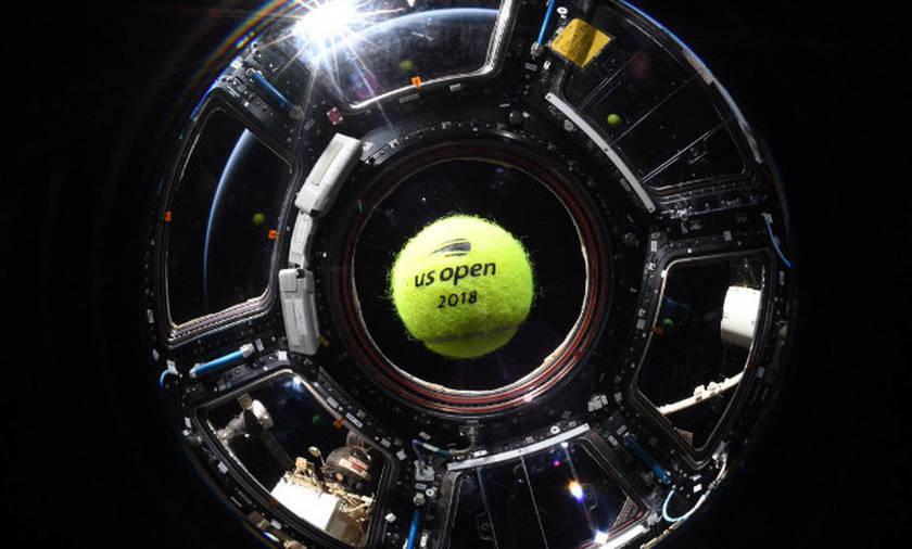 Παίζοντας τένις στο διάστημα!