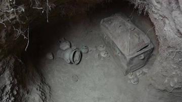 Ιεράπετρα: Ασύλητο θαλαμοειδή τάφο έφερε στο φως η αρχαιολογική σκαπάνη