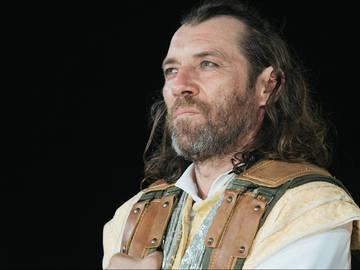 Αγαμέμνων, σε σκηνοθεσία Τσέζαρις Γκραουζίνις στο Φεστιβάλ Ηλιούπολης