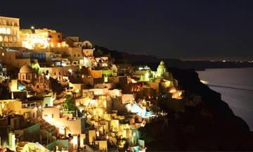 Στο σκοτάδι η Σαντορίνη: Χωρίς ρεύμα μεγάλο μέρος του νησιού!