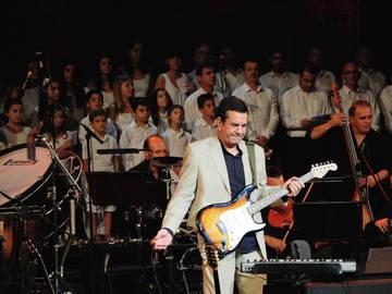 «Ψυχή μου, μη λυγίζεις»: Ο Σταμάτης Σπανουδάκης με νέο CD στο Ηρώδειο