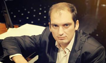 Ο βραβευμένος συνθέτης Zorzes Katris, στο 47ο Φεστιβάλ Βιβλίου
