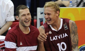 Ηττήθηκε η Λετονία- Καλή εμφάνιση από τους Στρέλνιεκς και Τίμα (pics)