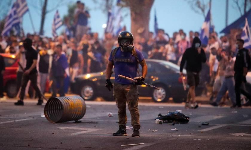 Άγνωστος που συμμετείχε στο συλλαλητήριο για τη Μακεδονία απείλησε με όπλο φωτορεπόρτερ